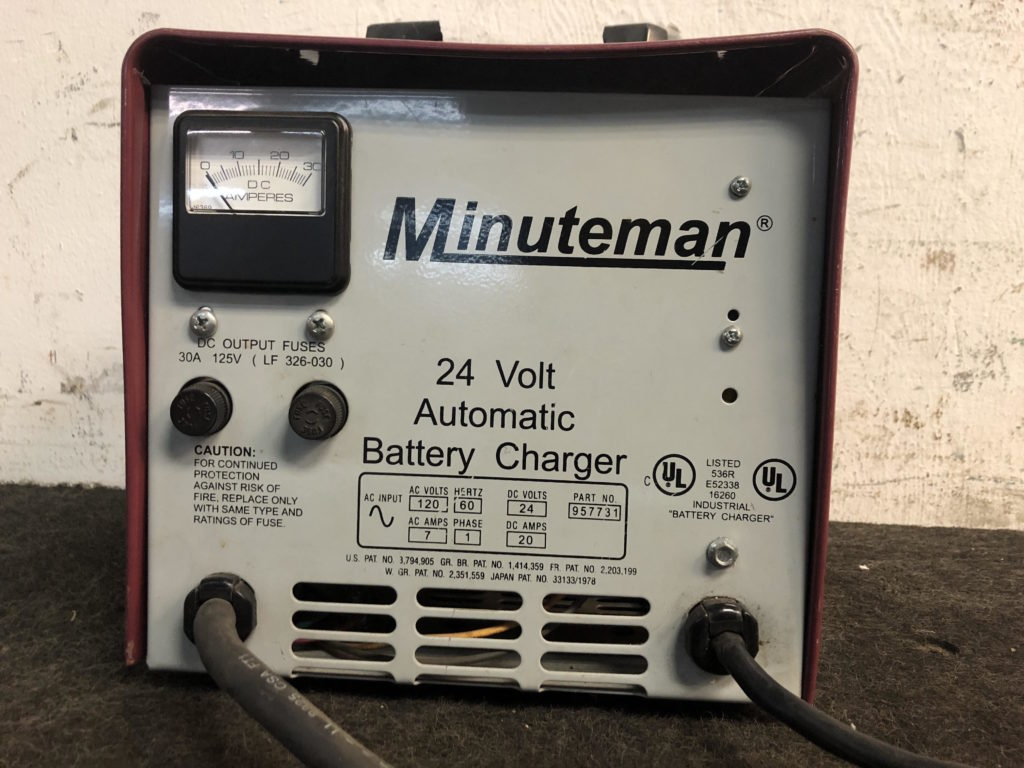 Minuteman 24 Volt Automatic Battery Charger Ebay